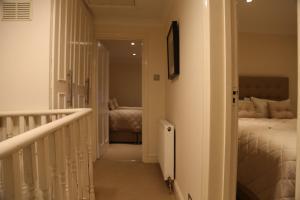 Cosy San Remo London Flat, Апартаменты  Лондон - big - 9