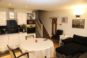 Cosy San Remo London Flat, Апартаменты  Лондон - big - 8