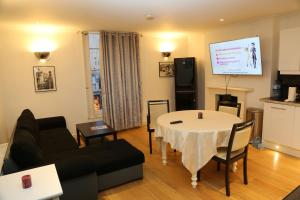 Cosy San Remo London Flat, Апартаменты  Лондон - big - 1