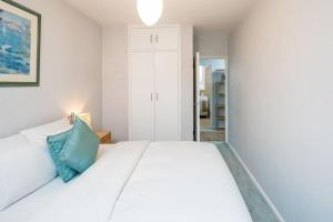 Bright Spacious 2 bed 1.5 bath in Clapham, Apartments  London - big - 4
