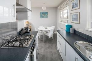 Bright Spacious 2 bed 1.5 bath in Clapham, Apartments  London - big - 10
