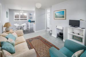 Bright Spacious 2 bed 1.5 bath in Clapham, Apartments  London - big - 9