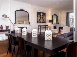 Stunning 3-bed 3-bath in Kensington, Apartments  London - big - 8