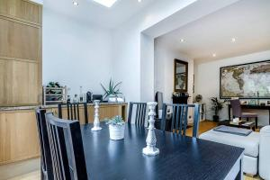 Entire Home in Islington sleeps 4 with garden, Apartments  London - big - 20