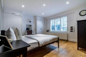 Entire Home in Islington sleeps 4 with garden, Apartments  London - big - 22