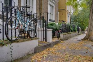 Entire Home in Islington sleeps 4 with garden, Apartments  London - big - 4