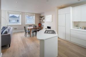 Charming 2 bed, 2 bath flat near Kensington Palace, Apartmány  Londýn - big - 11