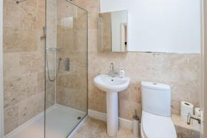 Charming 2 bed, 2 bath flat near Kensington Palace, Apartmány  Londýn - big - 8