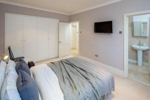 Charming 2 bed, 2 bath flat near Kensington Palace, Apartmány  Londýn - big - 9
