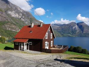 Tømmerhus i Veslebygda, Stryn