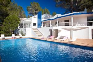 obrázek - VILLA CAN HERMANOS: Wifi gratis, piscina privada y vistas al mar