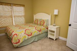 Hang 10 Beach House Home, Case vacanze  Fort Morgan - big - 14