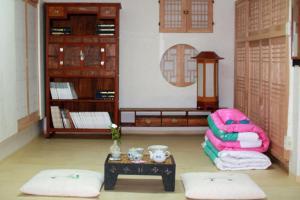 Nosongjung Jongtaek, Vendégházak  Andong - big - 20