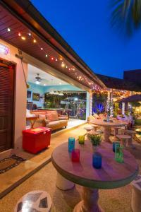 Relaxing Palm Pool Villa & Tropical Garden