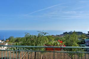 BB Santalucia, Bed and Breakfasts  Agerola - big - 14