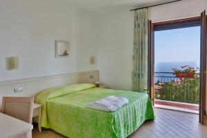 BB Santalucia, Bed & Breakfast  Agerola - big - 15
