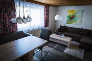 Haus Bergkastelblick, Apartmány  Nauders - big - 18