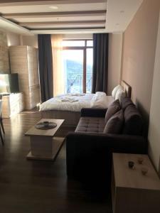 Adam Apartment Milmari
