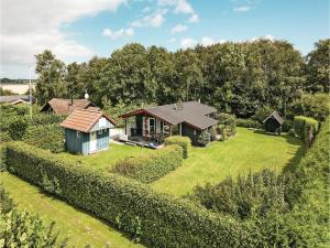 Four Bedroom Holiday Home in Assens