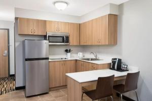 Microtel Inn & Suites by Wyndham Sudbury, Szállodák  Sudbury - big - 5