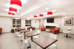 Microtel Inn & Suites by Wyndham Sudbury, Szállodák  Sudbury - big - 25