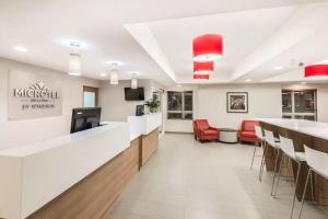 Microtel Inn & Suites by Wyndham Sudbury, Szállodák  Sudbury - big - 26