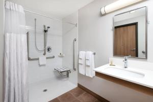 Microtel Inn & Suites by Wyndham Sudbury, Szállodák  Sudbury - big - 21