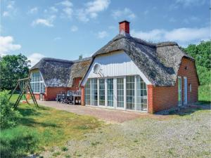 Five Bedroom Holiday Home in Ulfborg