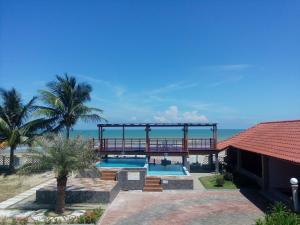 Villa Impiana Perupok, Vily  Kampong Binjai - big - 21