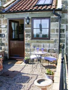 Holme Cottage, Holiday homes  Ugthorpe - big - 7