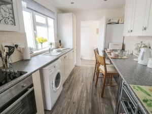 Little White Cottage, Дома для отпуска  Brierley Hill - big - 5