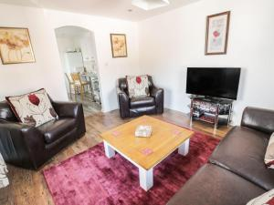 Little White Cottage, Дома для отпуска  Brierley Hill - big - 9