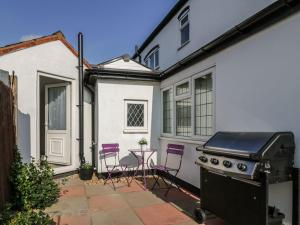 Little White Cottage, Дома для отпуска  Brierley Hill - big - 17