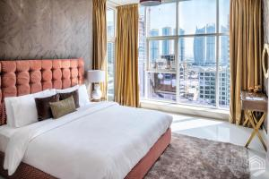 Luxury Staycation - Continental Tower - Dubai