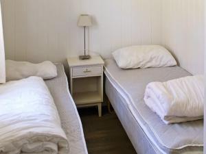 Two-Bedroom Holiday home in Averøy 1, Nyaralók  Karvåg - big - 9