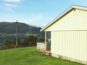 Two-Bedroom Holiday home in Averøy 1, Nyaralók  Karvåg - big - 15