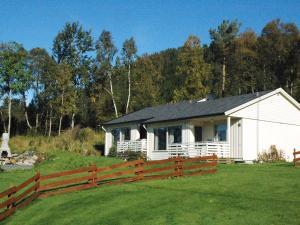 Two-Bedroom Holiday home in Averøy 1, Nyaralók  Karvåg - big - 2