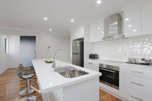 Sapphire Blue Apartment, Appartamenti  Perth - big - 18