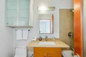 Fabulous 4BR Condo by Abbot Kinney W/Parking, Apartmány  Los Angeles - big - 22