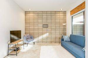 Fabulous 4BR Condo by Abbot Kinney W/Parking, Apartmány  Los Angeles - big - 24