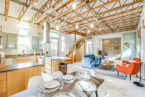 Fabulous 4BR Condo by Abbot Kinney W/Parking, Appartamenti  Los Angeles - big - 1