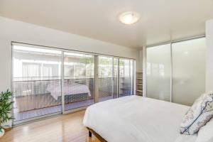 Fabulous 4BR Condo by Abbot Kinney W/Parking, Apartmanok  Los Angeles - big - 6