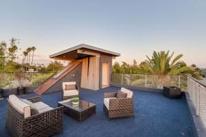 Sophisticated 4BR Home near Venice Beach w Parking, Apartmanok  Los Angeles - big - 16