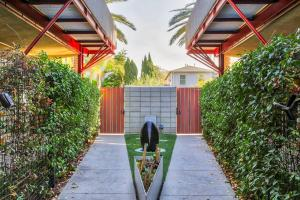 Sophisticated 4BR Home near Venice Beach w Parking, Apartments  Los Angeles - big - 37