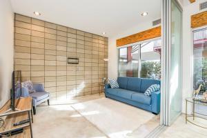Sophisticated 4BR Home near Venice Beach w Parking, Apartmány  Los Angeles - big - 5