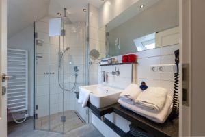 Landhaus _Berthin_Bleeg_ App_ 8 Di, Apartmanok  Wenningstedt - big - 22