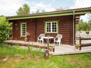 Three Bedroom Holiday home in Knebel 16