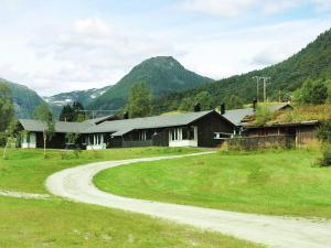 Two Bedroom Holiday home in Sogndal 1