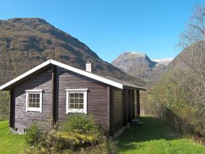 Two Bedroom Holiday home in Sogndal 4