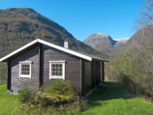 Three Bedroom Holiday home in Sogndal 2